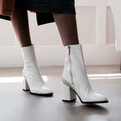 Shoes Too Big, Cute Shoes, Trendy Shoes, Heeled Boots, Ankle Boots, Women's Boots, Mode Ootd, White Boots, Cyber Monday