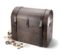 """ICDT"" pirate chest in pine (from the February 2012 PWM)."