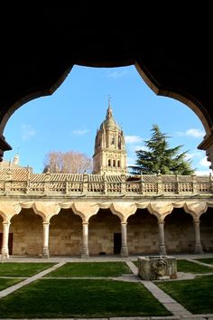 Salamanca, Spain Thanks, for posting this pic! I bet you loved Salamanca! Beautiful Places In The World, Places Around The World, Around The Worlds, Wonderful Places, Amazing Places, Monuments, Places To Travel, Places To See, Places In Spain