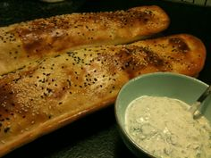 Det bedste er når man kan tage sommer minder med hjem, lækkert tyrkisk brød med masser af luft.  I Tyrkiet serveres brødet som en starter m...