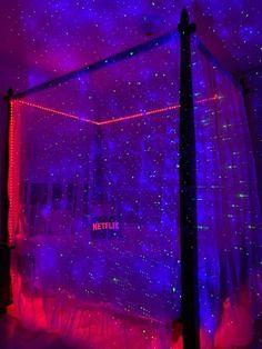 Indie Room Decor, Cute Bedroom Decor, Room Design Bedroom, Teen Room Decor, Room Ideas Bedroom, Aesthetic Room Decor, Bedroom Inspo, Neon Bedroom, Galaxy Bedroom Ideas