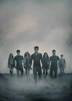 Teen Wolf Seaon 4 Promotional Picture. Shelley Hennig (Malia), Dylan O'Brien (Stiles), Holland Roden (Lydia), Tyler Posey (Scott), Arden Cho (Kira), Tyler Hoechlin (Derek), Dylan Sprayberry (Liam).