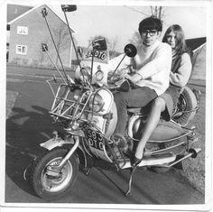 Piaggio Scooter, Vespa Ape, Vespa Girl, Scooter Girl, Motor Scooters, Vespa Scooters, Retro Scooter, Retro Baby, Mini Bike