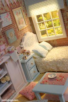 "DIORAMA ""CLEAR SKY BEDROOM""(around 16 cm size dolls) by Keera, via Flickr"