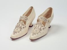 WeddingWednesday goodness from the early century. These cream kid leather shoes are decorated with beading detail on the toe and instep strap. Wedding Wear, Wedding Shoes, Edwardian Era Fashion, 20th Century Women, Fab Shoes, Vintage Shoes, Leather Shoes, High Heels, Beading