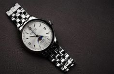 EDITOR'S PICK: Montblanc offer the complete package with the Heritage Chronométrie Quantième Complet