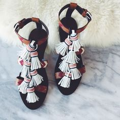 Tory Burch Tassel Leather Sandals •On trend leather sandals with fun fringe/tassel details from Tory Burch. •Like new condition. •Size 8, true to size. •NO TRADES/PAYPAL/MERC/HOLDS/NONSENSE. Tory Burch Shoes Sandals