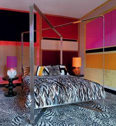 Le lit à baldaquin de Maria Pergay (1970)