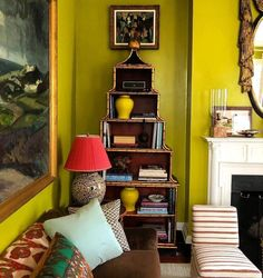 Project By: @matthewcarterinteriors 📸: Unknown #thevibrantinterior #andreaschumacherinteriordesigner #denverinteriordesigner #santabarbarainteriordesigner #palmbeachinteriordesigner Bedroom Green, Bedroom Wall, Chartreuse Decor, Green Dining Room, Interior Decorating, Interior Design, Room Interior, Room Colors, Paint Colors
