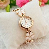 Wish | Womens Lucky Daisy Style Flower Rose Golden Bangle Bracelet Wrist Watch Charm