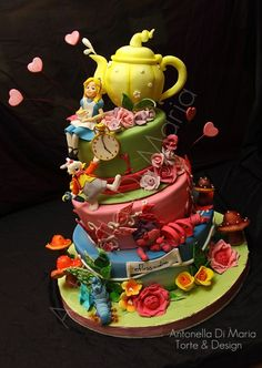 Alice in Wonderland  By: ninettaduci  URL:	http://cakecentral.com/gallery/2159309/alice-in-wonderland