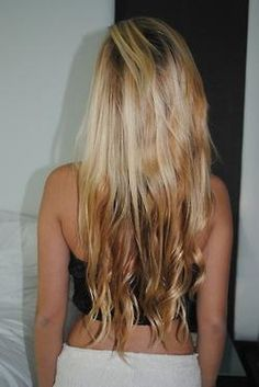 I want my hair long like this :)
