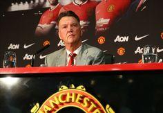 Van Gaal convinces immediately as new Manchester United era dawns