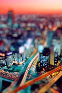 街の夜のチルトシフト撮影 iPhone 4 (4S) の壁紙 - 640x960