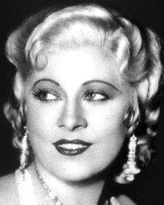 Mae West. Glam.