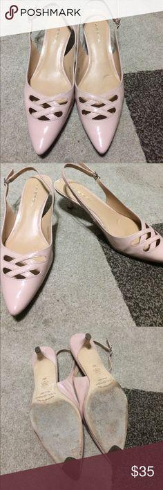 Via spiga heels Via Spiga kitten heels lightly worn nowhere has a lot of life left Via Spiga Shoes Heels