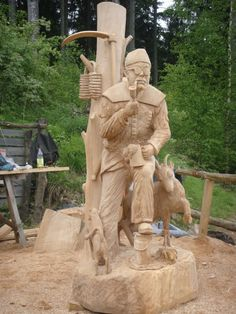 To many people, woodwork brings a sense of inner peace, allowing them to focus all their attention on the project at hand and with the help of the complete book of woodworking pdf you can also attain inner peace. Chainsaw Wood Carving, Wood Carving Art, Wood Art, Chain Saw Art, Woodworking Tools For Beginners, Whittling Wood, Tree Carving, Art Carved, Wood Creations