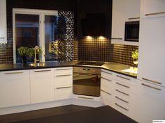 Corner Stove, Kitchen Corner, New Kitchen, Kitchen Decor, Kitchen Cabinet Design, Kitchen Storage, Kitchen Cabinets, Contemporary Kitchen Interior, Home Design Decor