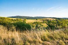 'Goldgelbe Hügel im Hochsommer' von Ronald Nickel bei artflakes.com als Poster oder Kunstdruck $15.68
