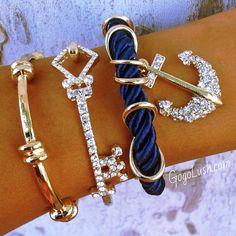 ❤ I really want that blue one ~ with the anchor.