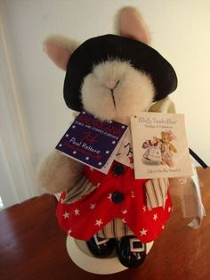 *Hoppy is the Patriotic partner to Muffy Vanderbear. Retired piece displayed on original North American Bear Stand.