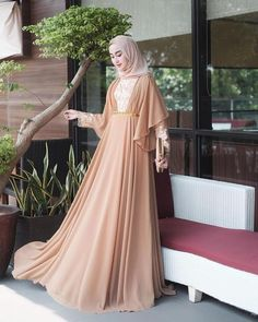 Hijab Evening Dress, Hijab Dress Party, Hijab Gown, Mode Abaya, Mode Hijab, Abaya Fashion, Fashion Dresses, Gaun Dress, Muslim Women Fashion