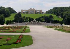 Schonbronn Palace to Gloriette