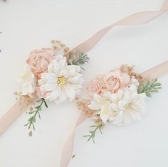 Blush Flower wrist corsage, Bridesmaids wrist corsage, Flower wrist corsage wedding