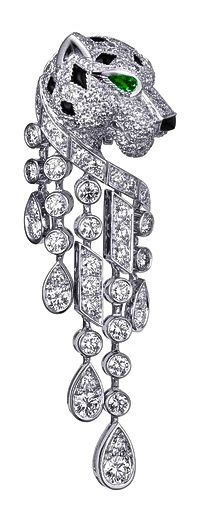 The Panther de Cartier will forever be the best collection in the eyes of my family. Cartier Ear Pendant With Diamonds, Onyxes & Emerald Cat Jewelry, High Jewelry, Animal Jewelry, Jewelry Accessories, Jewelry Design, Cartier Jewelry, Diamond Jewelry, Antique Jewelry, Vintage Jewelry