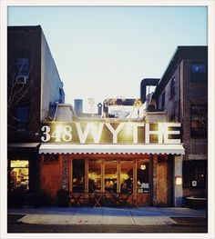 (Cécile : une des adresses les plus créatives du moment) Le restaurant Isa Brooklyn http://www.vogue.fr/voyages/adresses/diaporama/les-adresses-des-mast-brothers-a-brooklyn/16353/image/882761#!les-bons-plans-ou-sortir-a-new-york-restaurant-isa-brooklyn