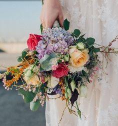 Cada Bouquet é unico! Assim como sua beleza, assim como sua dona!! 💐💎👰🏼 #bride  #vintagestyle  #bohostyle  #bridebook  #vanessaozflores #bouquetdenoiva #bridalbouquet #noiva #bride #wedding #miniwedding #casamentonocampo #casamentonapraia