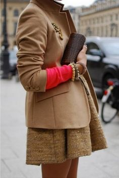 Again a perfect example of what this fall fashion should be... Neutral with a pop of color... Love this!!