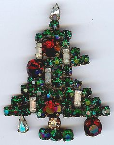 AUSTRIA VINTAGE FIVE CANDLE RHINESTONE CHRISTMAS TREE PIN