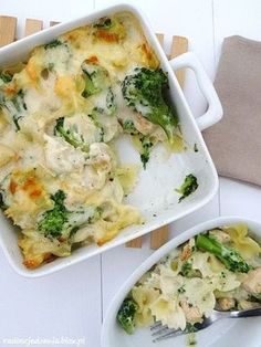 Zapiekanka z makaronem, brokułami i kurczakiem