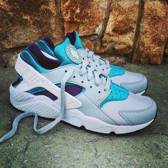 "Nike Air Huarache ""Wolf Grey Aquatone"" Size Man - Price: 119 (Spain Envíos Gratis a Partir de 75) http://ift.tt/1iZuQ2v #loversneakers#sneakerheads#sneakers#kicks#zapatillas#kicksonfire#kickstagram#sneakerfreaker#nicekicks#thesneakersbox #snkrfrkr#sneakercollector#shoeporn#igsneskercommunity#sneakernews#solecollector#wdywt#womft#sneakeraddict#kotd#smyfh#hypebeast #nikeair#huaraches #nike #huarache"