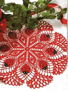 Crochet towel with ladybug - Free Pattern Crochet Towel, Crochet Dollies, Crochet Doily Patterns, Thread Crochet, Filet Crochet, Crochet Motif, Crochet Designs, Crochet Crafts, Crochet Lace