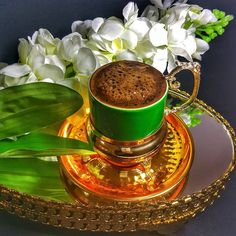 Coffee Images, Coffee Pictures, Brown Coffee, I Love Coffee, V60 Coffee, Coffee Cups, Good Morning Coffee, Turkish Coffee, Flower Aesthetic