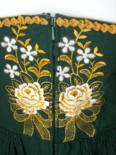 A Green Bay Packers inspired dirndl? :D