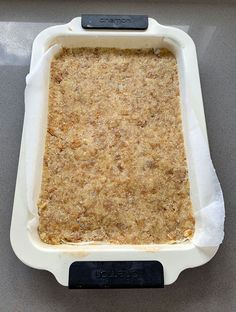 A twist on the Kiwi classic, this melt and mix recipe has a chewy baked coconut and weetbix base. Topped with icing made from lemon juice & zest. So yummy. Weetabix Recipes, Weetabix Cake, Chocolate Weetbix Slice, Chocolate Chip Oatmeal, Lemon Recipes, Baking Recipes, Cake Recipes, Dessert Recipes, Desserts