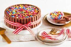 Old-fashioned vanilla slice Round Cake Pans, Round Cakes, New Recipes, Cake Recipes, Tuna Pasta Bake, Fairy Bread, Sausage Rolls, Cinnamon Apples, Deserts