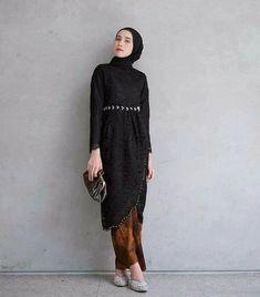 Kebaya Hijab, Kebaya Dress, Dress Brokat, The Dress, High Neck Dress, Hijab Fashion, Amelia, Marriage, Blouse