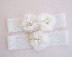 Sale Wedding Garter Garter Set with Toss by nanarosedesigns