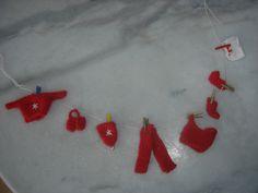 Guirlande de vétements miniatures la lessive accrochée du pére Noel : Accessoires de maison par jodestyl
