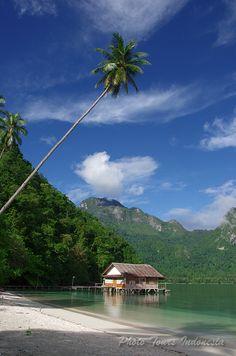 Ora Beach - Central Moluccas