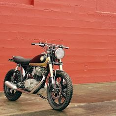 Burly Yamaha #SR500 #scrambler by @dirtfirstgarage found via @crafinon.
