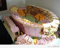 The Ultimate Party Snack Station made to look like the Super Bowl Stadium. For a super bowl party Super Bowl Party, Party Platters, Party Trays, Deli Platters, Party Dishes, Party Buffet, Plateau Charcuterie, Super Bowl Essen, Super Bowl Sunday