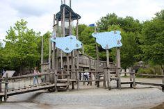 Als Kind war der Westpark so etwas wie mein Garten. Deshalb weiß ich ganz genau, wie viele tolle Orte es dort für Kinder gibt. Einer dieser Orte ist der Abenteuerspielplatz an der Heiterwanger Straße. Für mich war das damals der spannendste Spielplatz überhaupt! Hier kann man klettern, laufen, rutschen, springen, balancieren, Staudämme bauen, sich...Read More