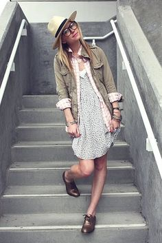 sundress, layered button shirts, oxford shoes, layered bracelets, hat. chic.