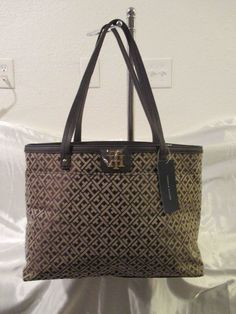 Tommy Hilfiger Handbags Tote 6932845 202 Color Brown Beige Retail $ 118.00 #TommyHilfiger #TotesShoppers