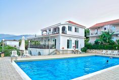 Situated by the sea, the complex of Green Bay Hotel is located in Karavomilos Village. It boasts an outdoor salt water pool and a poolside snack bar. Double Room, Salt And Water, Mountain View, Great View, Green Bay, Terrace, Swimming Pools, Greece, Mansions